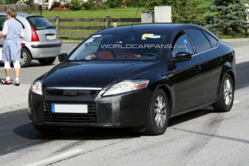 Spyshot : bientôt un restylage pour la Ford Mondeo