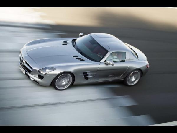 Mercedes SLS AMG : premières vidéos