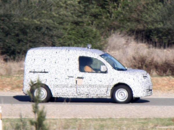 Surprise : ceci n'est pas un Kangoo mais une Mercedes