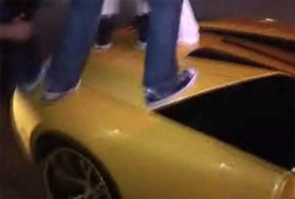 [Vidéo] Steve-O et ses amis dansent sur une Lamborghini Murcielago Roadster