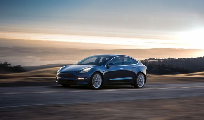 Tesla : la Model 3 Performance pour 2018