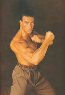"""Jean-Claude Van Damme reste """"aware"""", même après un accident de voiture"""
