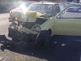 Un break Volvo XC70 encaisse sans broncher un choc avec une Fiat Seicento
