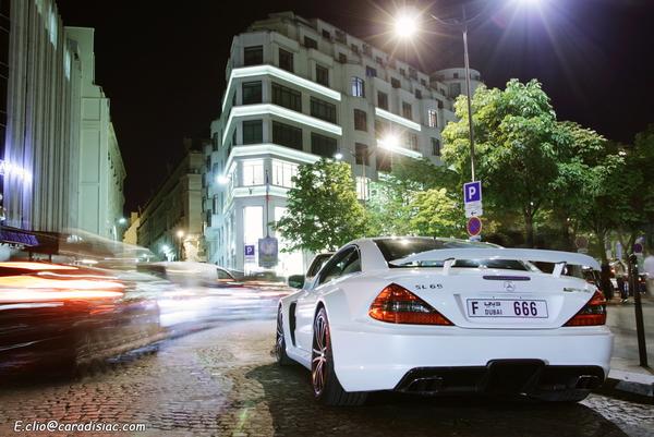 Photos du jour : Mercedes SL65 Black Series