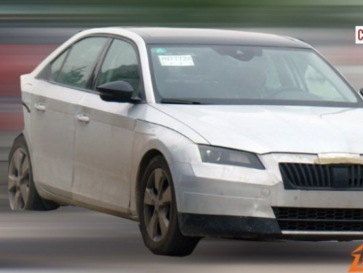 La future Skoda Superb surprise en Chine!