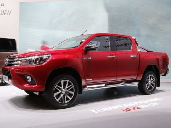 peugeot confirme son pick up sur base de toyota hilux. Black Bedroom Furniture Sets. Home Design Ideas