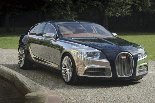 Fini le Bordeaux, place à la Bugatti 16C Galibier Concept