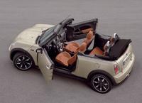 NAIAS 2007: La nouvelle Mini et le vieux Cabrio