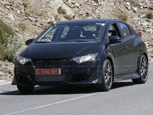 La Honda Civic Type-R surprise sans camouflage et sans aileron arrière