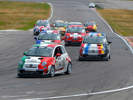 "Sport Auto : Abarth renouvelle l'expérience ""Make it your race"""
