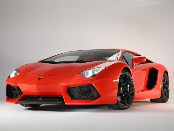 Lamborghini Aventador Roadster pour le Salon de Genève 2012?