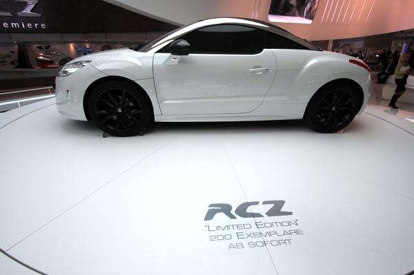 Direct Francfort : Peugeot RCZ, dedans, dehors, dans le coffre, édition limitée ou pas