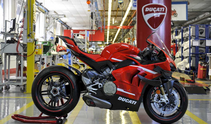 La Ducati Superleggera V4 comme vous ne l'avez jamais vue!