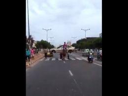 Dakar : transporter un véhicule sur une charrette, c'est possible !