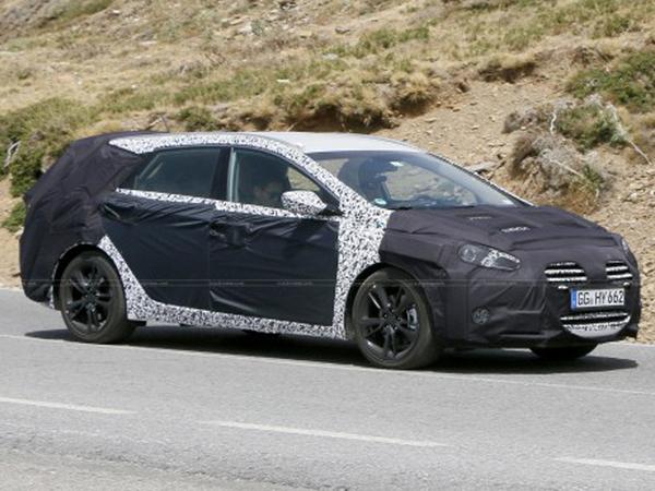 Surprise : la Hyundai i40 restylée lourdement camouflée