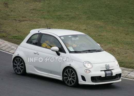Future Abarth 500, nue sur le Ring' !