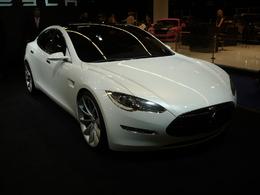 En direct de Francfort : la Tesla Model S donne des leçons aux grands constructeurs