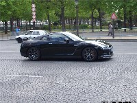 Carlos Ghosn en Nissan GT-R sur les Champs-Elysées! (MAJ)