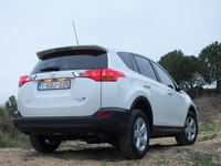Lexus va lancer un SUV basé sur le RAV4 concurrent des BMW X1 et Audi Q3