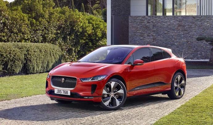 Une berline compacte Jaguar dans les tuyaux ?