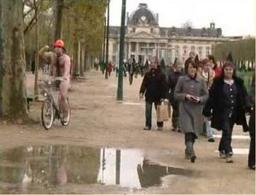 Pari d'un internaute : « je traverse Paris à poil en Vélib' »