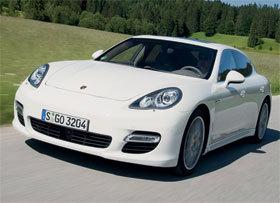 La Porsche Panamera en location chez Avis