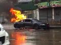Une Audi R8 neuve prend feu à Bangkok