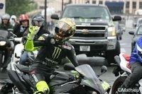 Vidéo du jour : Rossi en R1 dans les rues de la capitale [+ 45 photos]