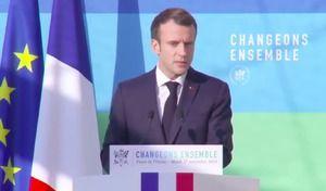 Carburants: Macron veut adapter la hausse des taxes à l'évolution des prix du pétrole