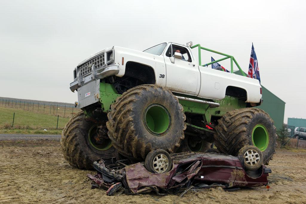 Audi Of Dallas >> Le garage des monstres : j'ai écrasé la voiture d'un ...