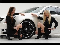 D3 Cadillac CTS: merci les girls...