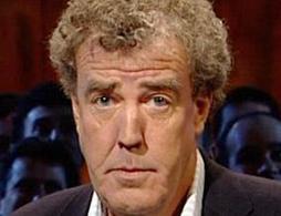 Jeremy Clarkson : des activistes écolos déversent du crottin de cheval sur sa pelouse