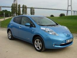 """La Nissan Leaf sacrée """"Voiture européenne de l'année 2011"""""""