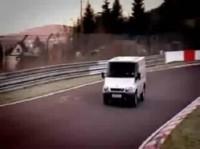 La vidéo du jour : Ford Transit on the Ring' !