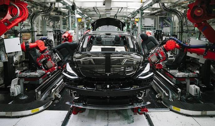 Selon Elon Musk, Tesla était à deux doigts de la catastrophe