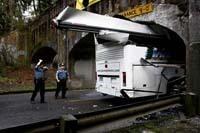 """Bus scalpé par un pont : """"la faute au GPS"""" dit le conducteur"""