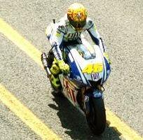Rossi nous a donné une belle leçon de sportivité