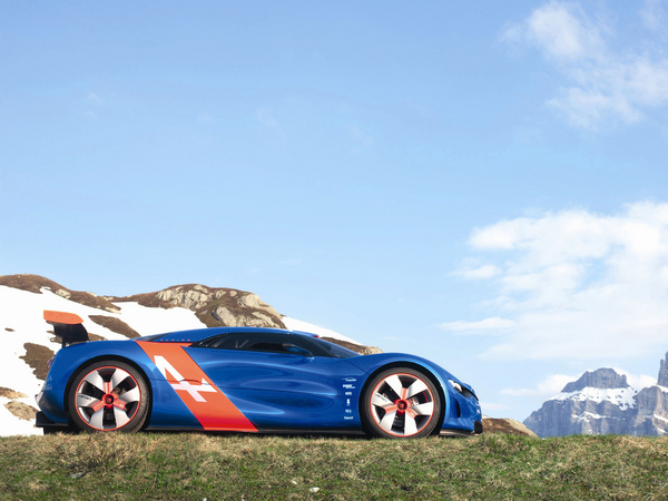 Alpine: un objectif annuel de 3000 ventes