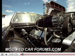 Holden HT Premier 1969 de 900ch : un burn out en caméra embarquée