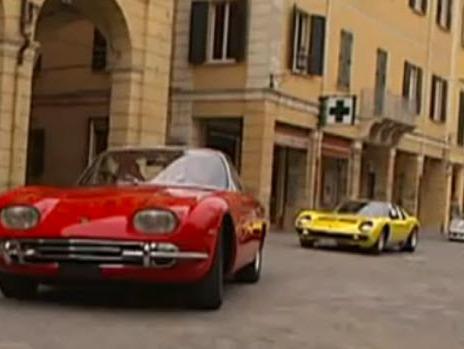 [Vidéo] Lamborghini : une grande parade de V12 pour fêter la fin de la Murcielago