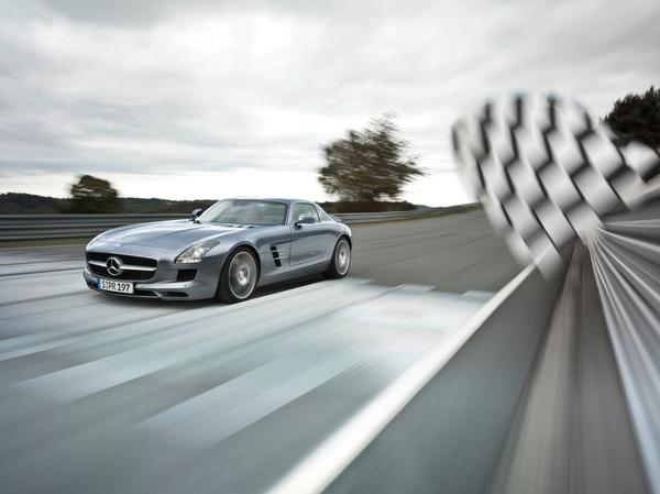 La Mercedes SLS s'invite dans Gran Turismo 5 (ajout photos)