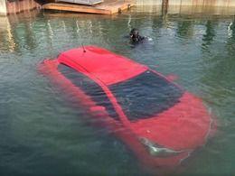 Insolite : elle suit son GPS et tombe dans un lac
