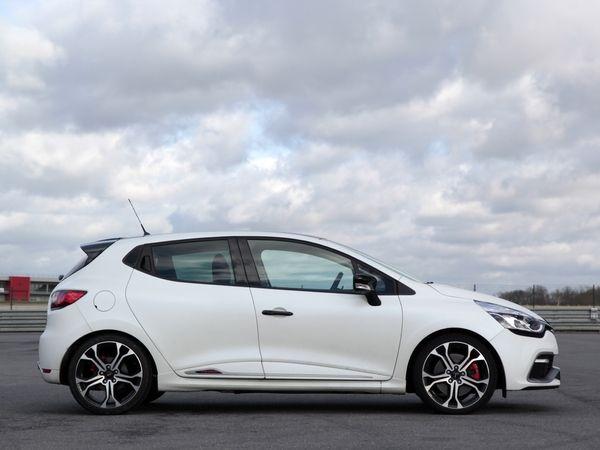 Renault : une Clio R.S. très radicale dans les tuyaux ?