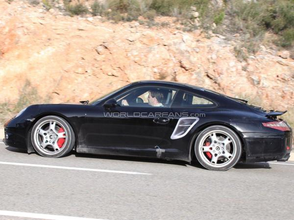 La prochaine Porsche 911 commence à se découvrir ( un peu )