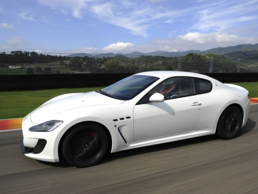 la maserati gran turismo mc stradale a un prix 154 721 euros. Black Bedroom Furniture Sets. Home Design Ideas