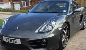 Insolite - Un anglaisvend sa Porsche en organisant une tombola
