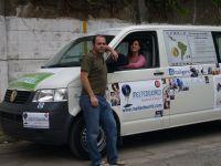 Une aventure verte au volant d'une camionnette à l'huile de cuisine recyclée !