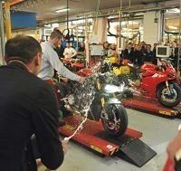 Economie - Ducati: Le 1199 Panigale sort des chaînes