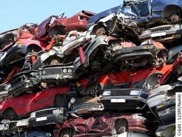 Scandale des 5000 véhicules dangereux: l'État bloque les cartes grises des autos non expertisées!