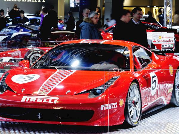 Bologne 2010 : première mondiale pour la Ferrari 458 Challenge